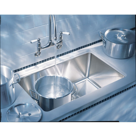 "Franke Professional Undermount Sink, 9"" h"