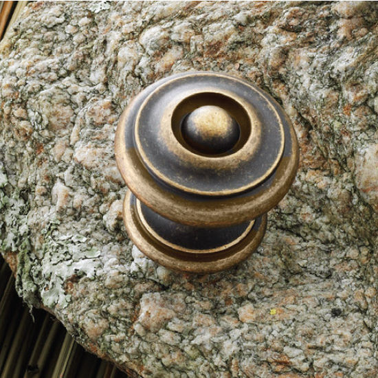 Hafele Somerset Collection 1-1/4'' Dia. Round Knob in Antique Brass, 30mm Diameter x 28mm D x 23mm Base Diameter