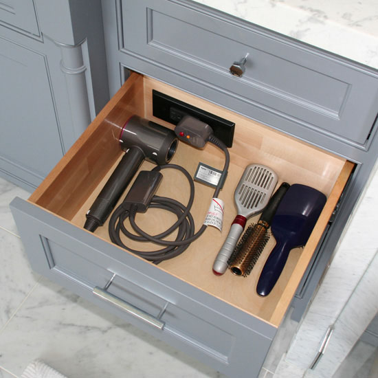 Hafele Docking Drawer Style, for In-Drawer Outlet Charging