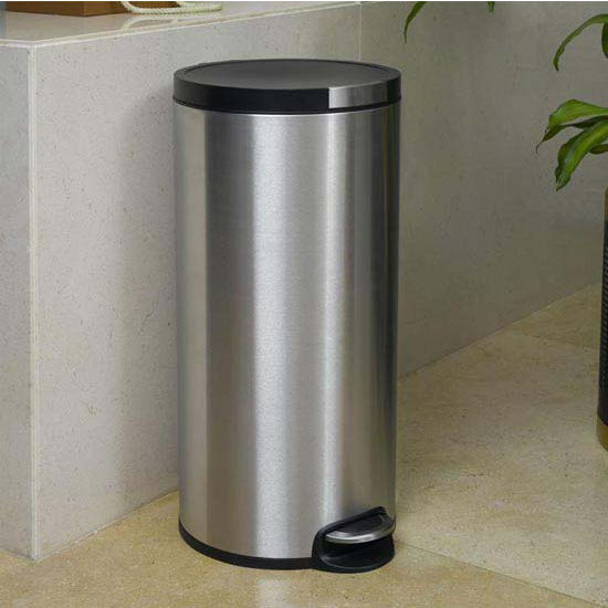 Household Essentials 7.9 Gallon (30 Liter) Artistic Step Bin, Soft Close
