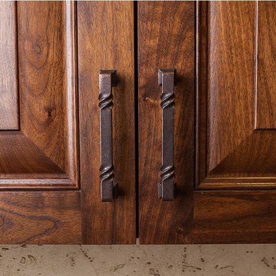 Attrayant Tahoe Collection Rustic Cabinet Pull 4 1/2u0027u0027, 5 13/16u0027u0027 Or 12 3/4u0027u0027 Wide In  Multiple Finishes By Jeffrey Alexander | KitchenSource.com