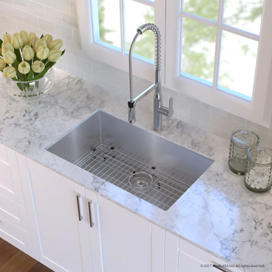 Kitchen Sink Set Overhead View   Chrome