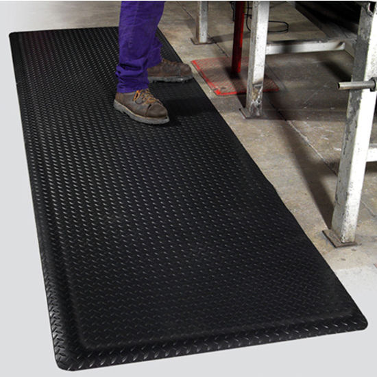Mat Pro Supreme Diamond Foot� Floor Mat