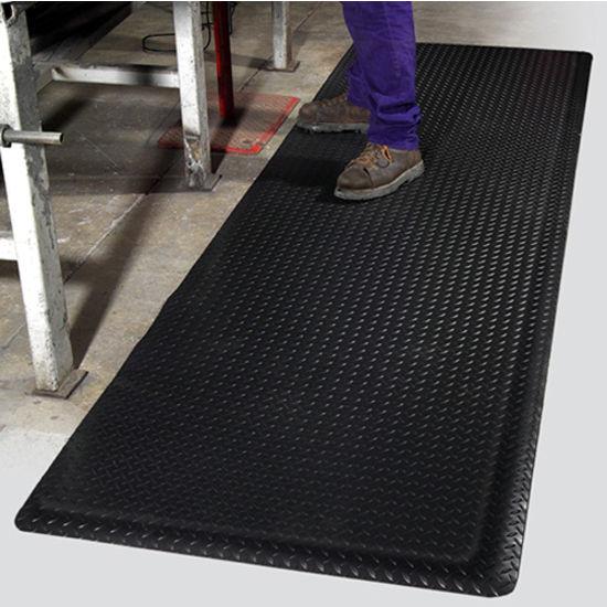 Mat Pro Ultimate Diamond Foot™ Floor Mat