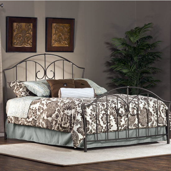 Zurick Bed Set