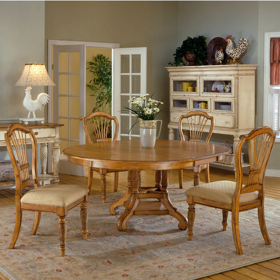 Wilshire Round/Oval Table Dining Set