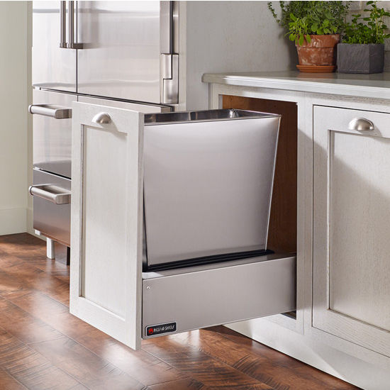 Rev A Shelf Single Majestic Chassis With Soft Close Assist For 74 Quart