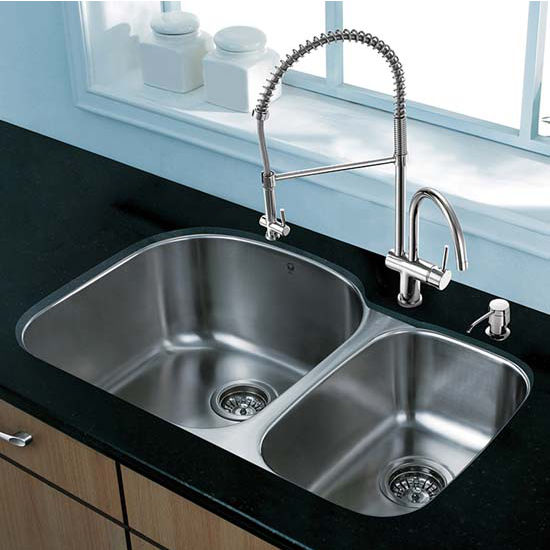 Vigo VIG-VG15303, All in One 31'' Undermount Stainless Steel Kitchen Sink and Chrome Faucet Set