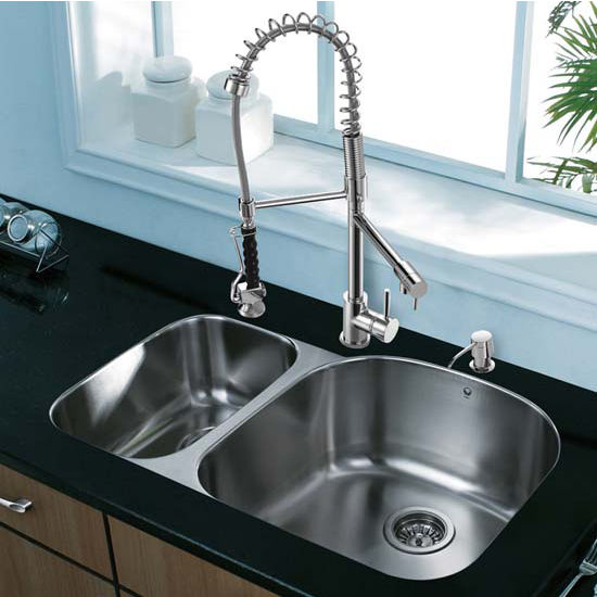 Vigo VIG-VG15308, All in One 31'' Undermount Stainless Steel Kitchen Sink and Chrome Faucet Set