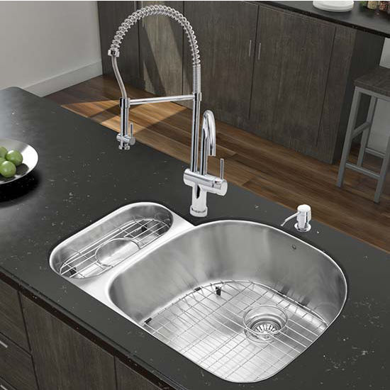 Vigo VIG-VG15324, All in One 32'' Undermount Stainless Steel Kitchen Sink and Chrome Faucet Set