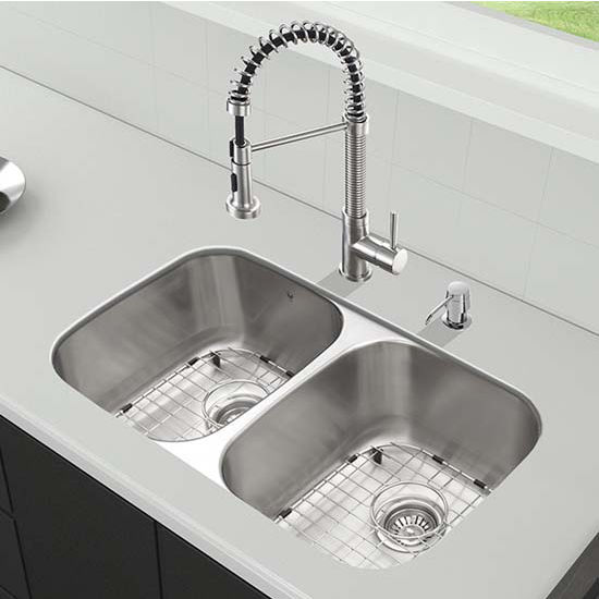Vigo VIG-VG15331, All in One 32'' Undermount Stainless Steel Kitchen Sink and Faucet Set