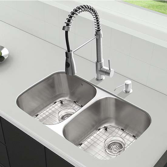 Vigo VIG-VG15333, All in One 32'' Undermount Stainless Steel Kitchen Sink and Faucet Set