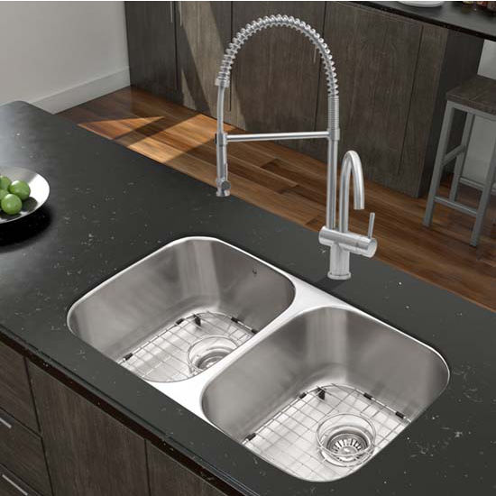 Vigo VIG-VG15335, All in One 32'' Undermount Stainless Steel Kitchen Sink and Faucet Set