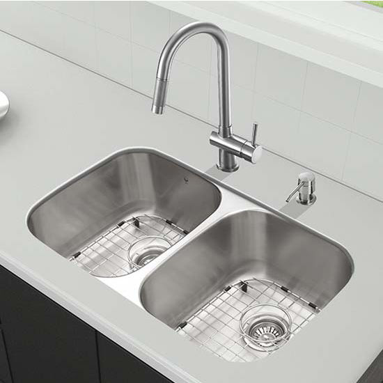 Vigo VIG-VG15338, All in One 32'' Undermount Stainless Steel Kitchen Sink and Faucet Set