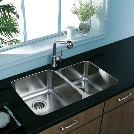 "32"" Undermount Stainless Steel 18 Gauge Double Bowl Kitchen Sink"