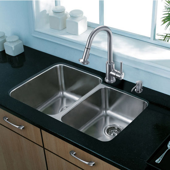 "32"" Undermount Kitchen Sink with Small Bowl on Right, Two Grids and Two Strainers, Stainless Steel Finish, 32""W x 20-3/4""D"