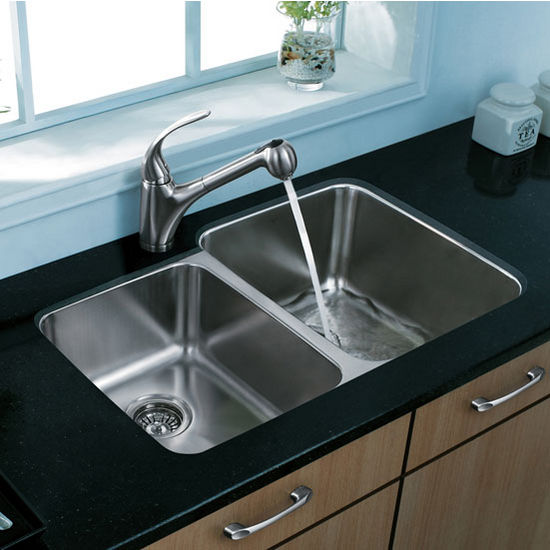 "32"" Undermount Kitchen Sink with Small Bowl on Left, Two Grids and Two Strainers, Stainless Steel Finish, 32""W x 20-3/4""D"