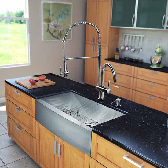"Vigo All in One 33"" Farmhouse Stainless Steel Kitchen Sink and Faucet Set, VIG-VG15125"