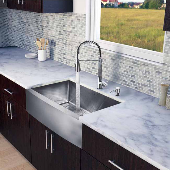 "Vigo All in One 33"" Farmhouse Stainless Steel Kitchen Sink and Faucet Set, VIG-VG15203"