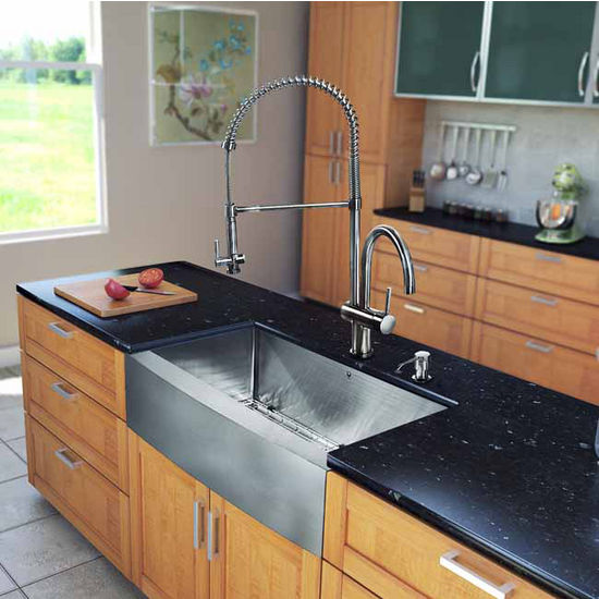 "Vigo All in One 33"" Farmhouse Stainless Steel Kitchen Sink and Faucet Set, VIG-VG15206"