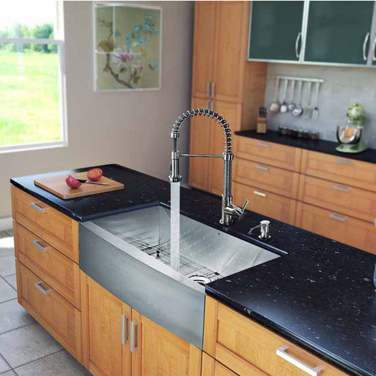 "Vigo All in One 30"" Farmhouse Stainless Steel Kitchen Sink and Faucet Set, VIG-VG15236"